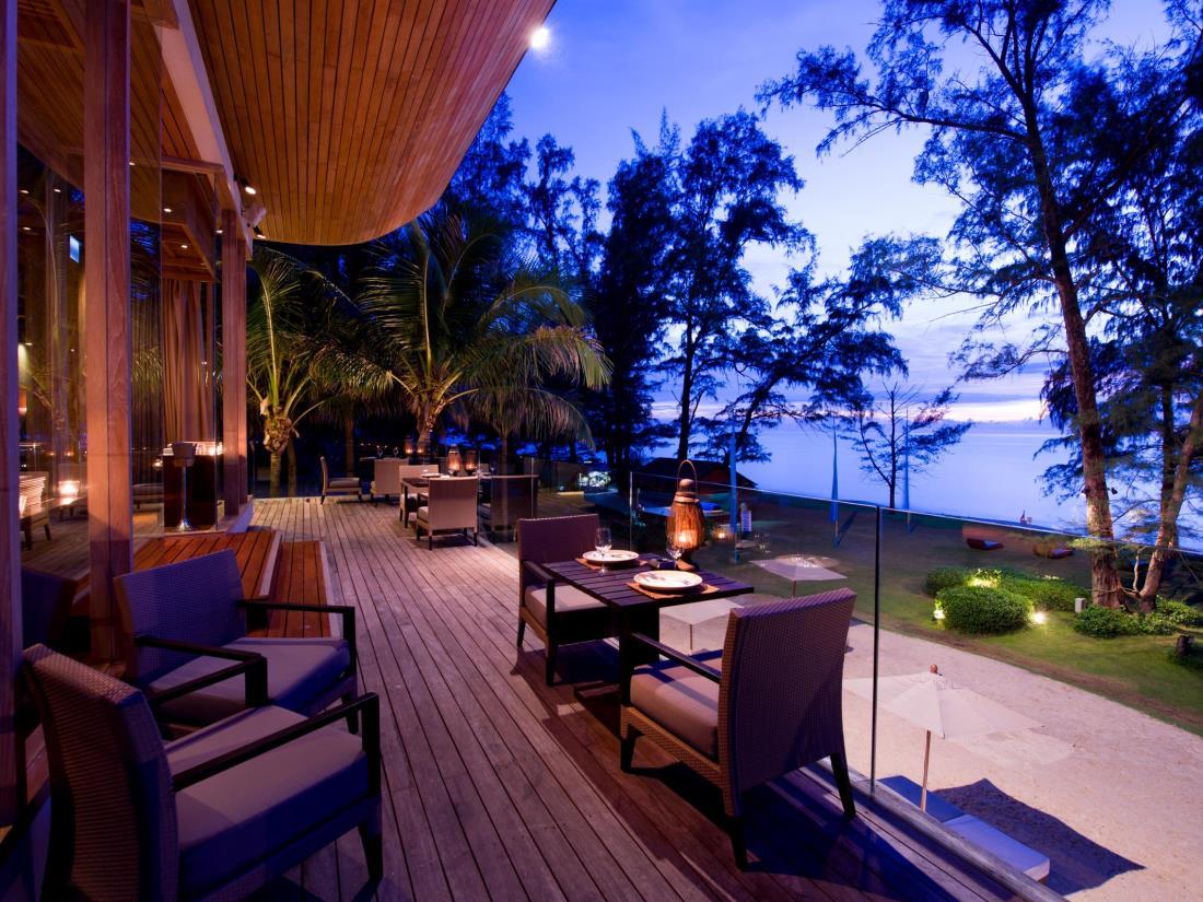 Renaissance Beachfront Resort