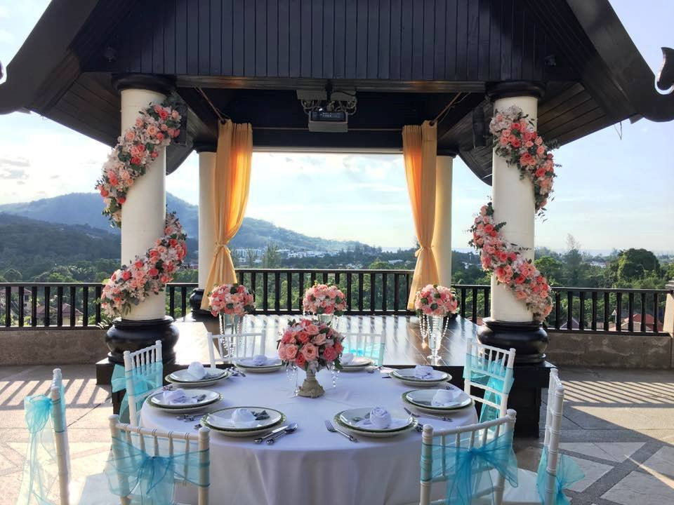 Flowers with a twist, designed by Wedding Flowers Phuket.
