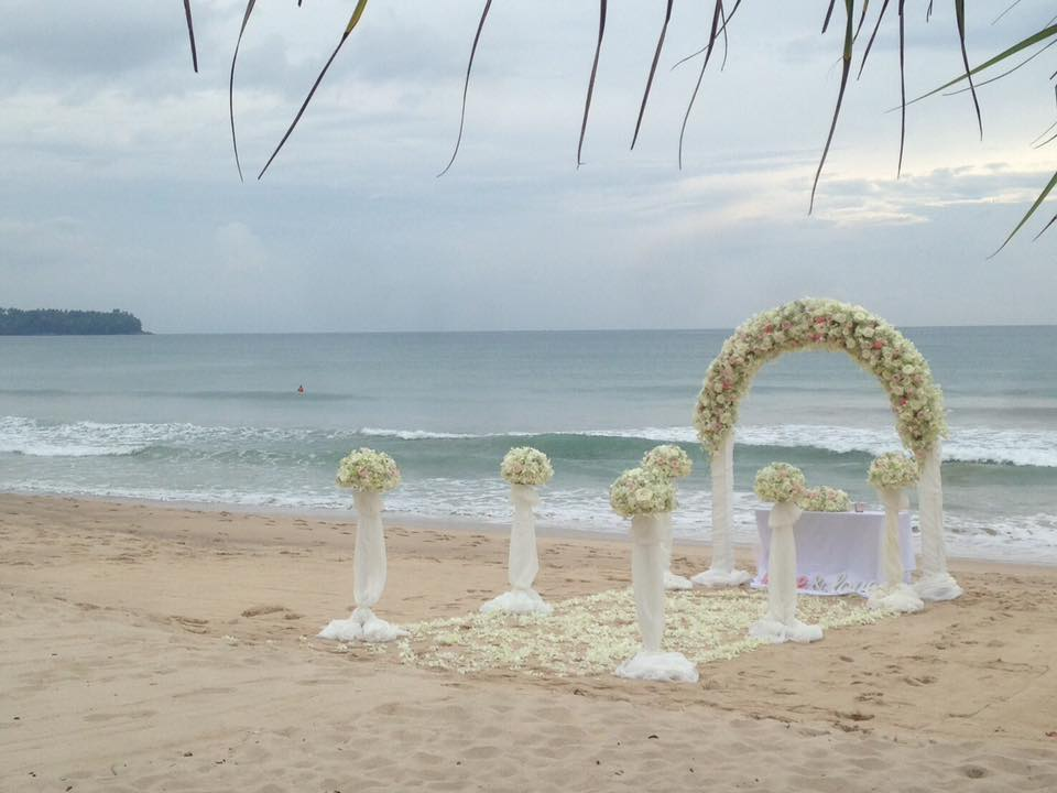 Floral Wedding arch designed by Toom from Wedding Flowers Phuket