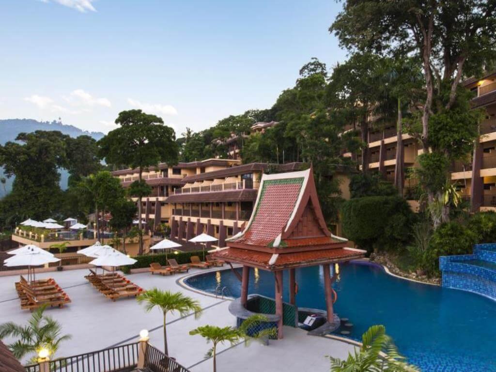 Chanalai Swimming Pool and pool bar