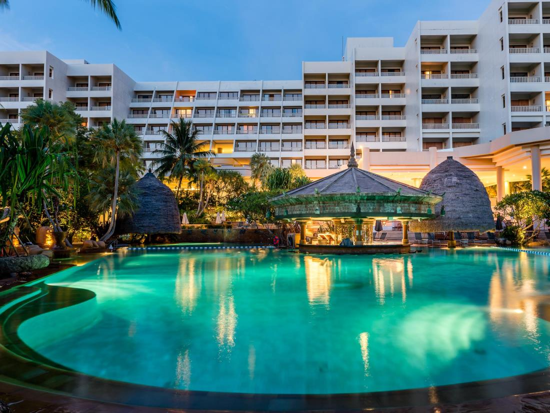Movenpick Resort and Spa, Karon Beach Phuket