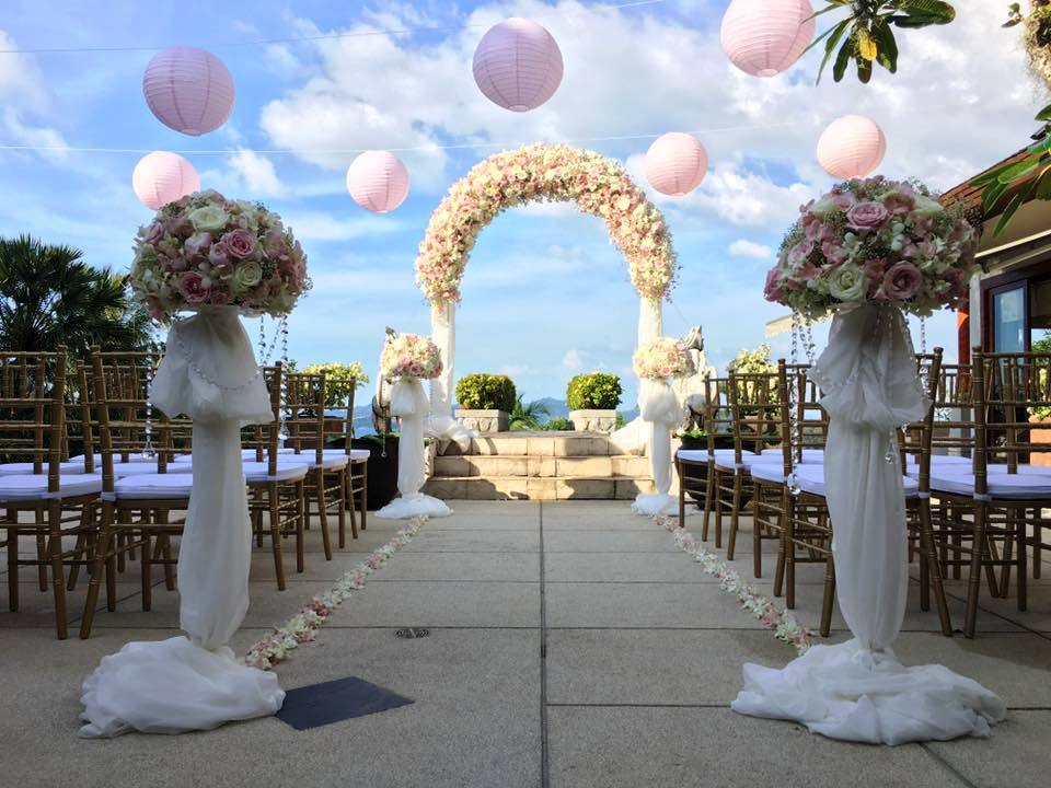 Villa beautifully decorated by Flowers by Toom for this wedding party in Phuket