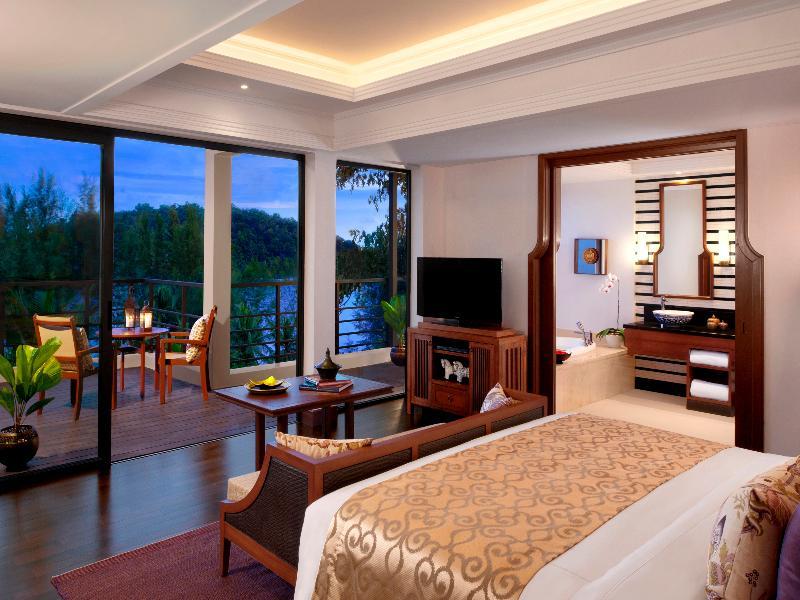 Anantara Beach Resort