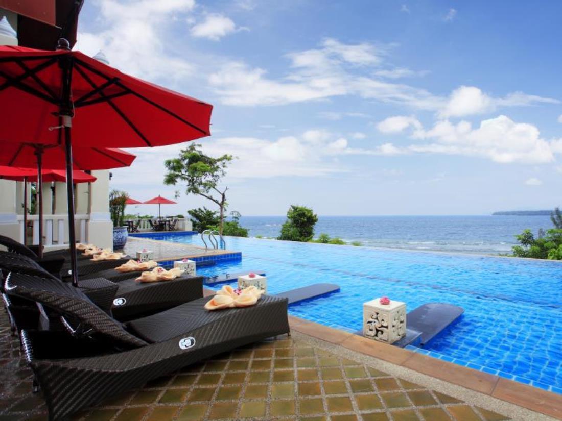 Aquamarine Resort & Villas