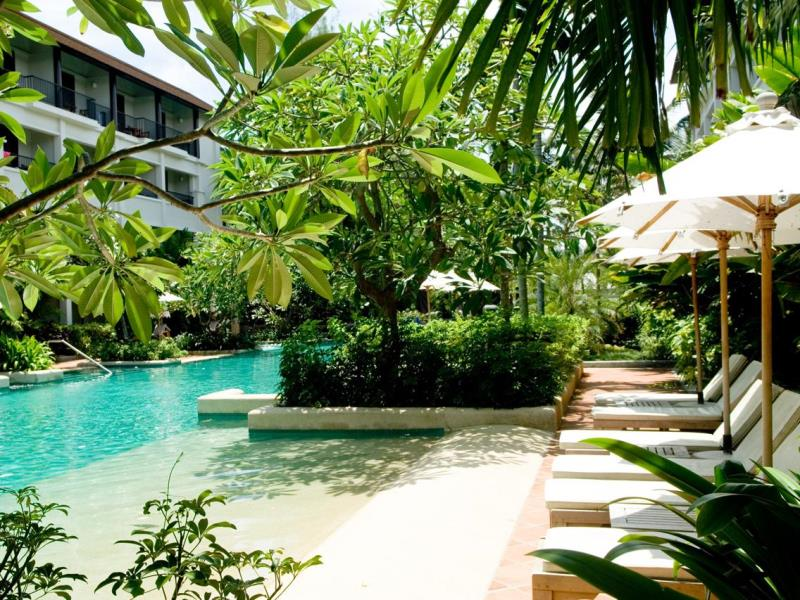 Banthai Beach Resort, Patong Phuket.