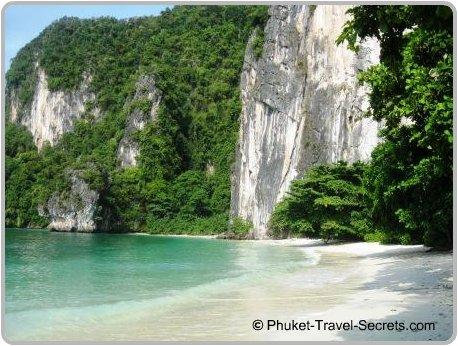 Spectacular beaches at Koh Hong.