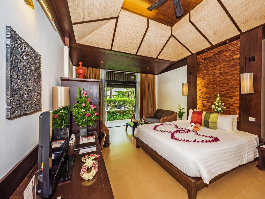 Impiana Patong Deluxe Seaview Room