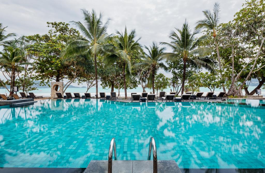 Impiana Phuket Beachfront Swimming Pool