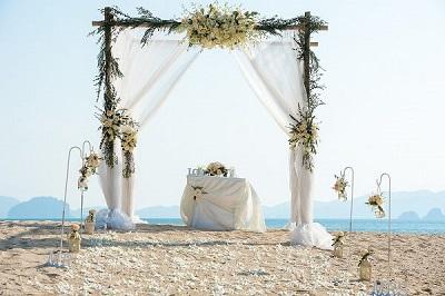 Stunning backdrop for a destination wedding near Phuket