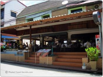 Restaurants at Kata Noi.