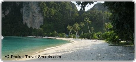 Beach just near the Phi Phi Hospital in Tonsai Bay