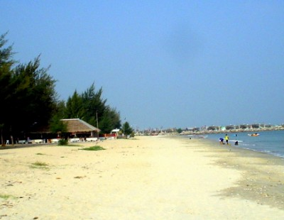 Lazy Days In Cha Am Beach Thailand