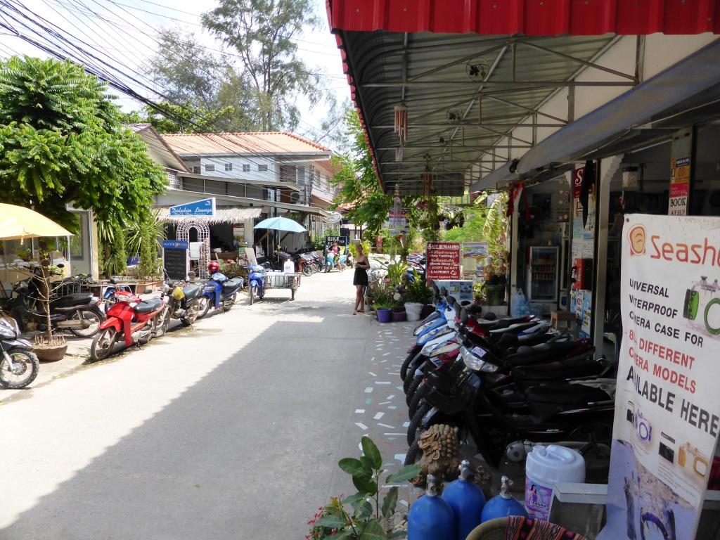 Mae Haad Bay Streets