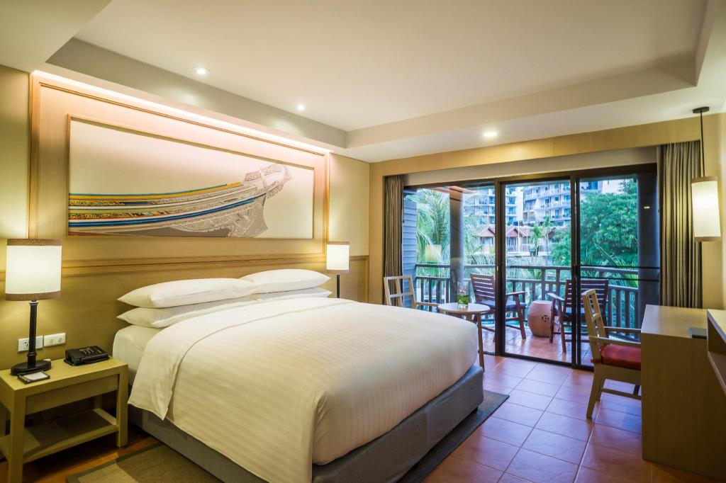 Phuket Marriott Merlin Beach Deluxe Lagoon Rooms