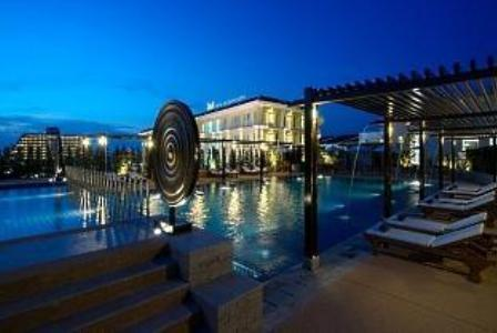 Swimming Pool at the Millennium Resort in Patong