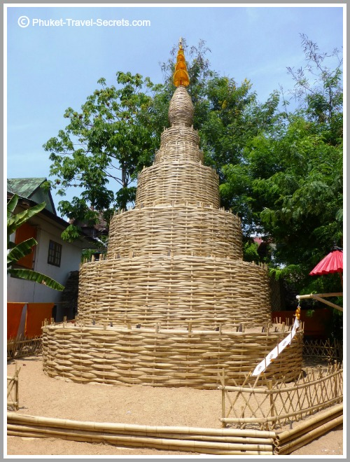 Interesting sights around the grounds at Wat Pan Tao.