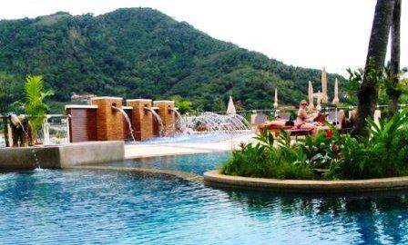 Peach Hill Resort Swimming pool