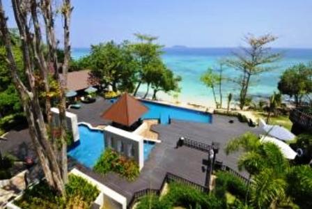 Swimming pool at the Holiday Inn at Koh Phi Phi