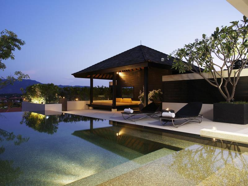Spa & Pool Villa