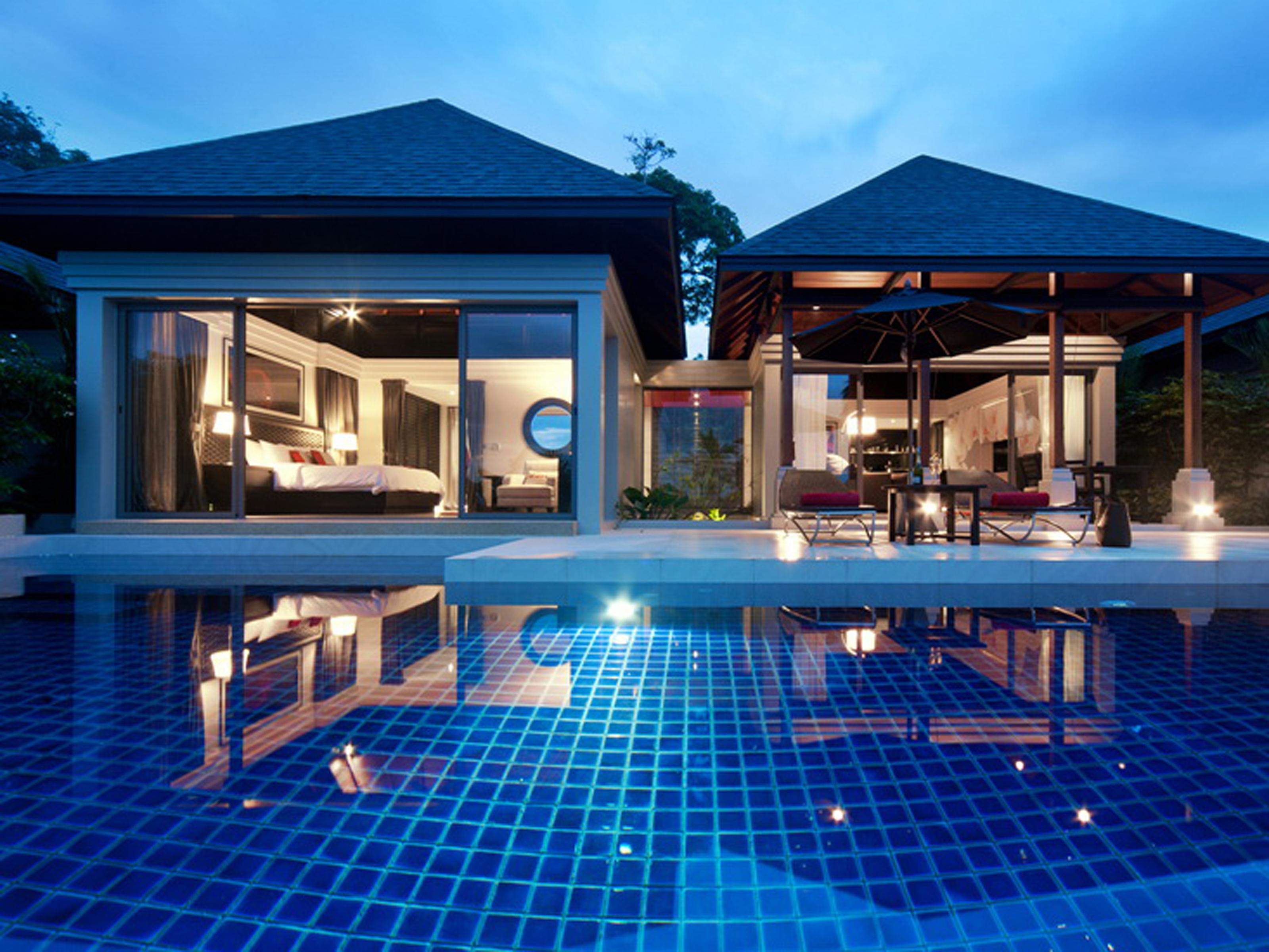 Tropical Pool Villa