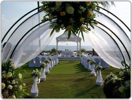 Setting for a beach wedding at the Merlin Beach Resort at Tri Trang in Phuket.