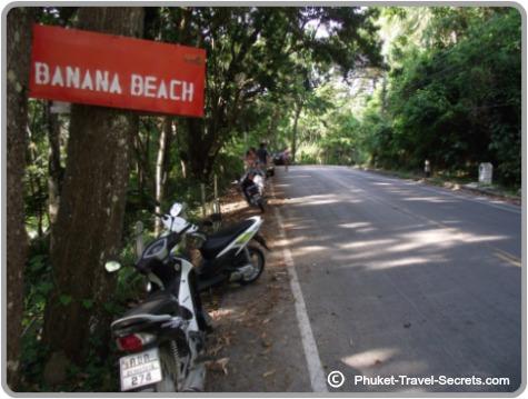 Sign to Banana Beach