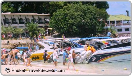Speed boat tours stopping of for Lunch at Phi Phi Don.