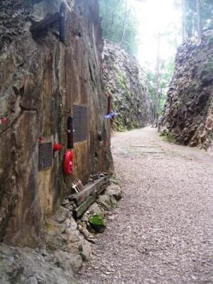 Hellfire Pass Memorial plaque
