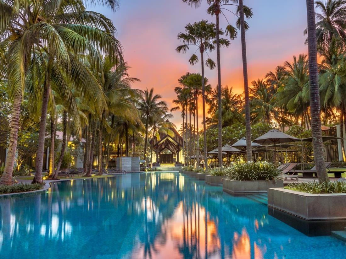 Hotels Surin Beach Phuket Thailand