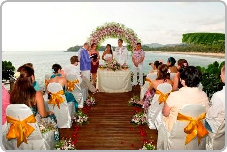 Villa wedding ceremony in Phuket