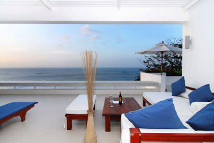 Enjoy the intimacy and privacy of a luxury villa in Phuket.