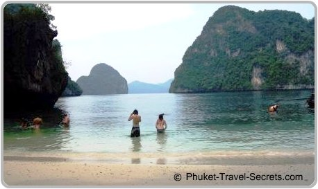 Stunning seascape within the Than Bok Khorani National Marine Park, Krabi.