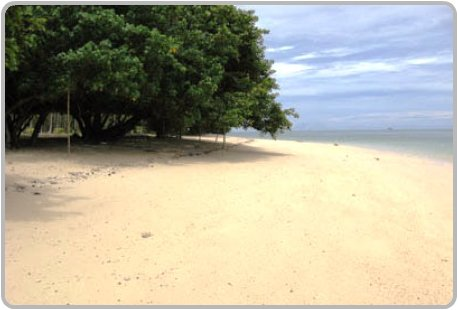 Beach at Rang Yai Island.