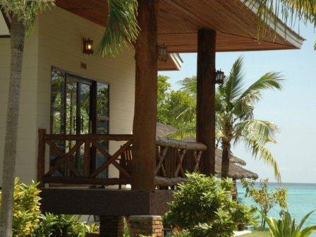 Hotels and resorts at Ko Phi Phi