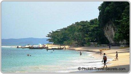 Sandwich boats arriving at Phra Nang Beach.