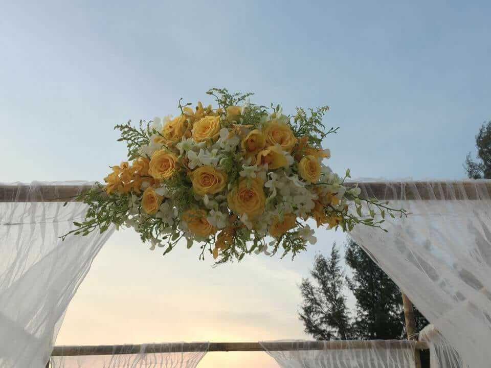 Flower arrangement for Bamboo Gazebo